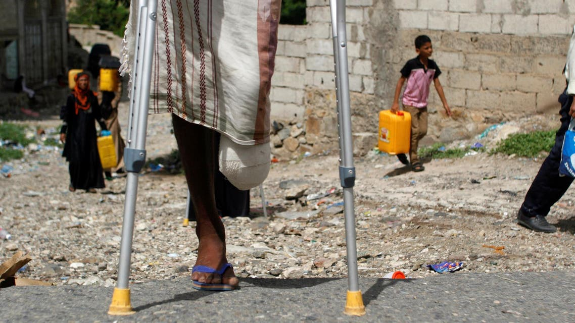 """Forces loyal to the Houthi movement who use of landmines in Yemen have caused civilian deaths and fatal injuries, a Human Rights Watch report said on Thursday, releasing new evidence of the militias' use of the banned antipersonnel mines. At least 11 civilians, including seven children, were killed by an antivehicle mine in al-Waziyah neighborhood -  a western part of Taiz last month - a local activist told Human Rights Watch. Two of those killed included children four years of age. """"Houthi and allied forces are showing cold-hearted cruelty toward civilians by using landmines,"""" said Steve Goose, arms director at Human Rights Watch. """"Yemen's warring parties should immediately stop laying mines, destroy mines in their possession and ensure that demining teams can work unimpeded so that families can safely return home."""" Yemeni mine clearance officials and medical professionals, revealed that antipersonnel and anti-vehicle mines have resulted in the deaths of at least 18 people and wounded more than 39 in Taiz – Yemen's third largest city - between May 2015 and April 2016, according to the Against Mines National Organization, Taiz-based group. Media reports also provide collaborative evidence regarding these deadly incidents. Deaths, disabilities The group documented that landmines in Taiz have killed five children and have caused permanent disabilities to four, and wounded 13 others. All but one of the 18 deaths that were documented were caused by antivehicle mines, while nine of 11 permanent injuries were from antipersonnel mines.  However, the report stated that the Human Rights Watch group believed the actual number of mine victims in Yemen since September may be much higher. Yemenis clearing mines in Taiz and medical professionals said that landmines have caused dozens of civilian casualties since March.  Dr. Suhail al-Dabhani, General director at Taiz's al-Rawda Hospital, told Human Rights Watch in June, that since late April, the hospital had treated 50 people – """