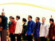 """أوباما ينظر شزرا لرئيس الفلبين بعد وصفه بـ""""ابن العاهرة"""""""
