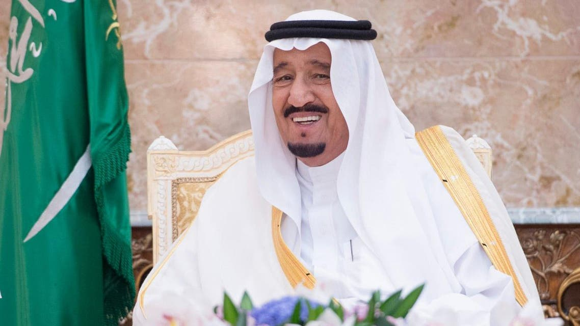 Saudi King Salman thanked the Saudi military personnel for their efforts in serving pilgrims. (SPA)