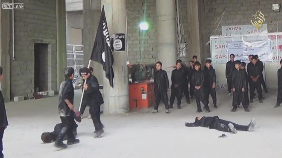 THUMBNAIL_ داعش والنظام حرموا أكثر من 60 ألف طفل من التعليم في الرقة