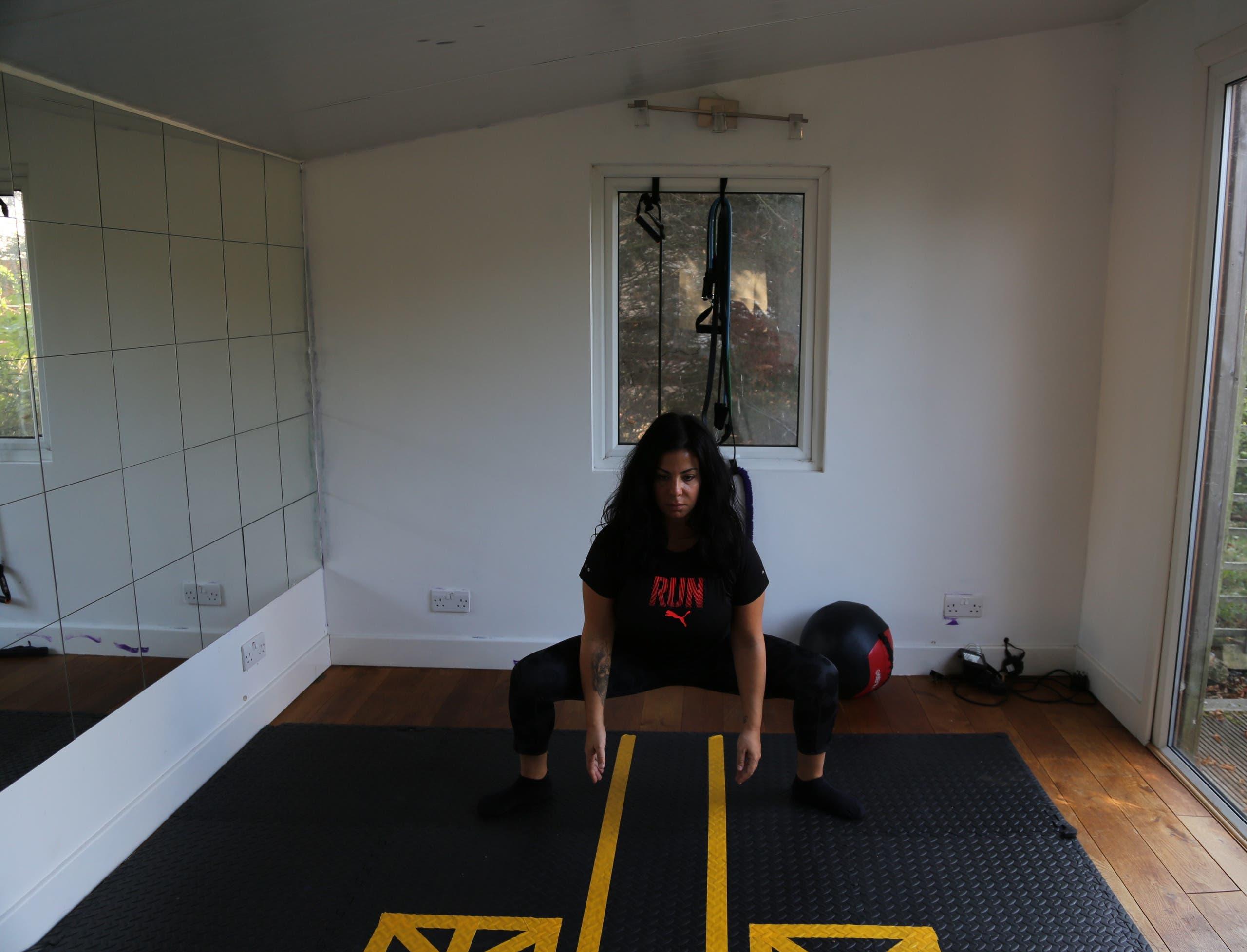 sumo squat 2