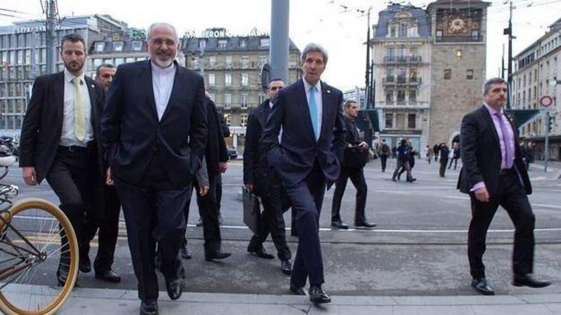 ظريف وكيري في شوارع جنيف