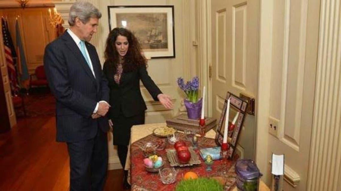 جون كيري والمستشارة سحر نوروز زادة أثناء مراسم رأس السنة الإيرانية في البيت الأبيض