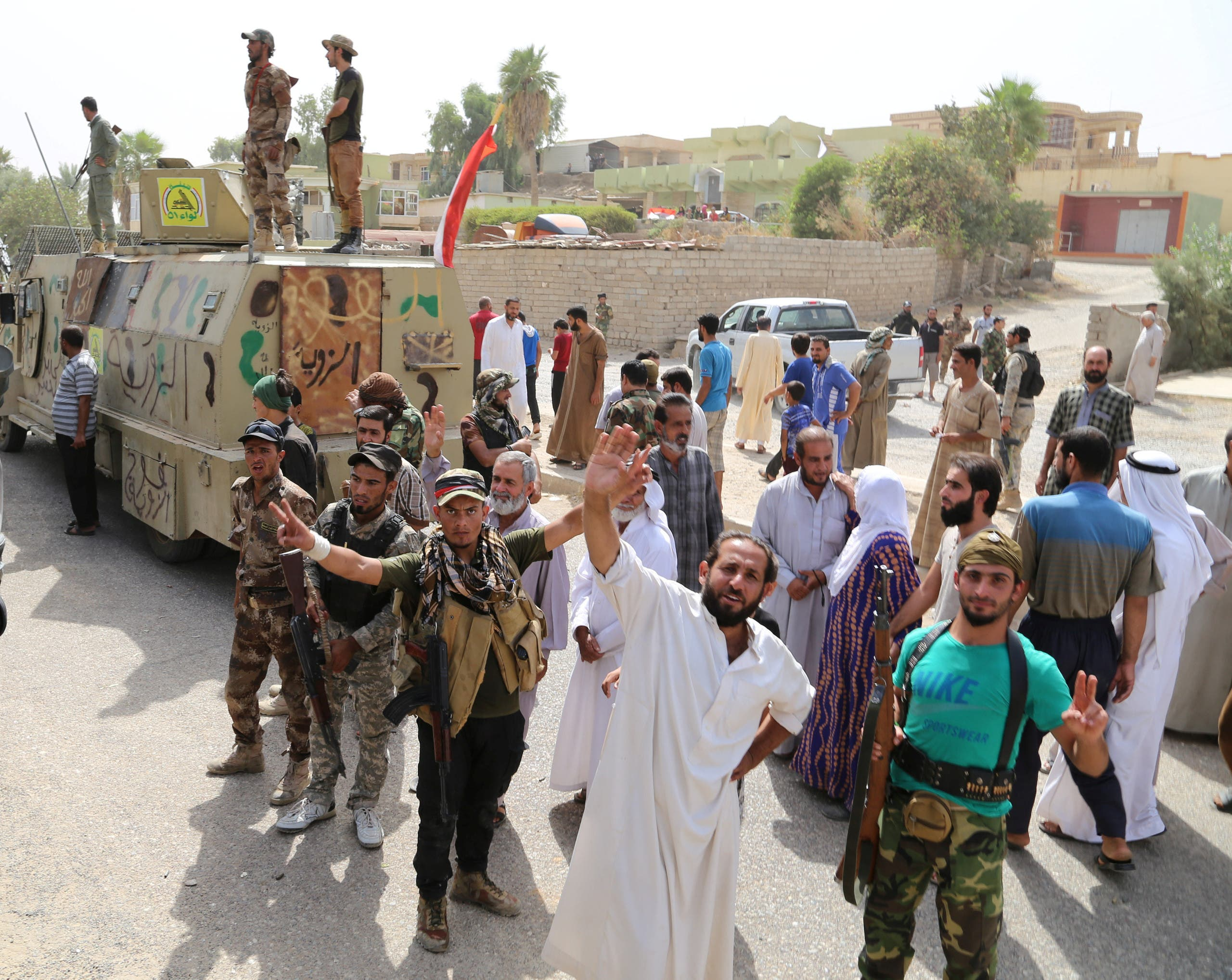 Iraqi forces celebrate victory against ISIS in Shirqat