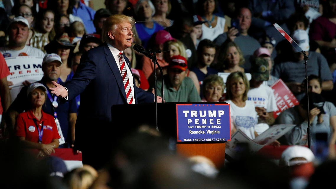 Republican presidential nominee Donald Trump holds a rally with supporters in Roanoke, Virginia, U.S. September 24, 2016. REUTERS/Jonathan Ernst