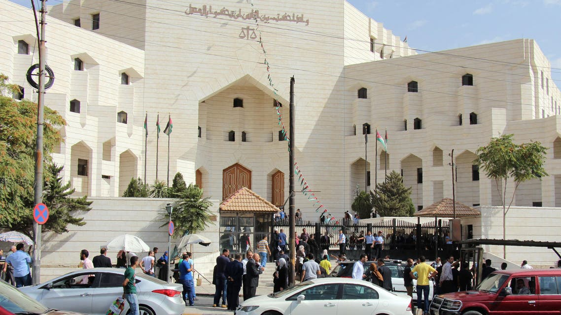 أمام قصر العدل في عمان حيث اغتيل حتر  - فرانس برس