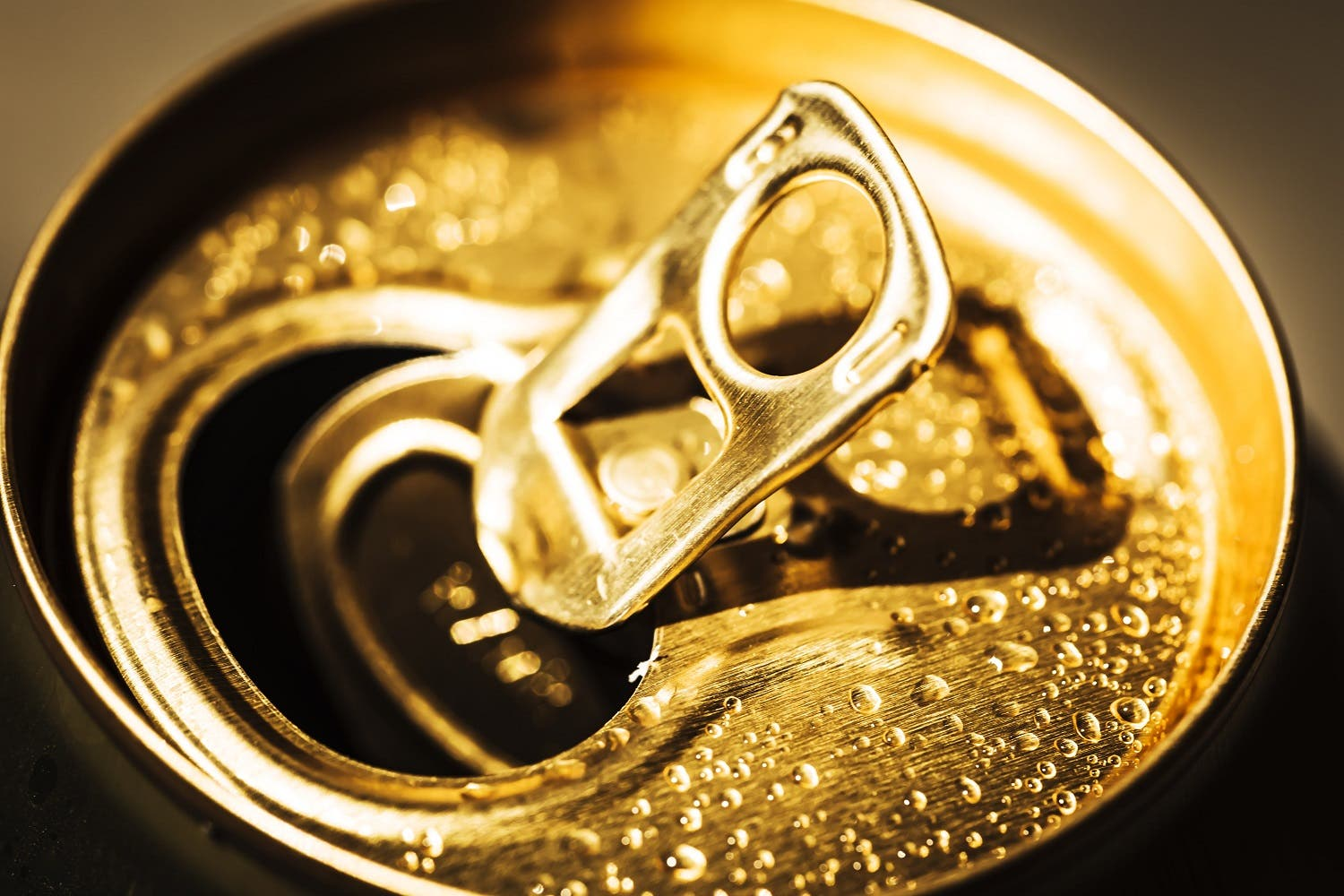 With links to heart disease, and with a huge variety of choices of beverages available in supermarkets and restaurants, the lifestyle choice to cut sugary drinks out of our diets is an easy one. (Shutterstock)