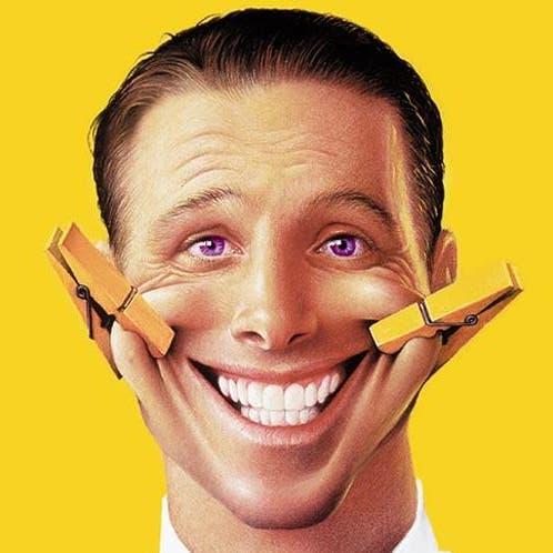 حتى لو كانت مزيفة فمفعولها سحري .. 5 فوائد للابتسامة