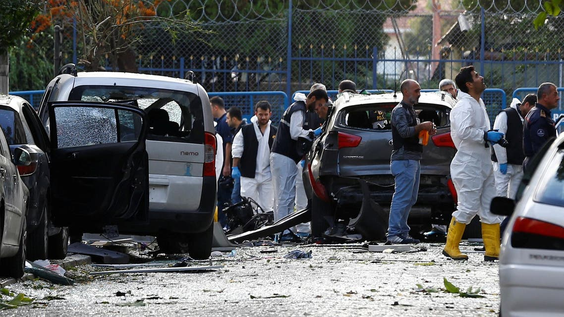Police forensic experts examine the scene of blast in Istanbul, Turkey, October 6, 2016. REUTERS
