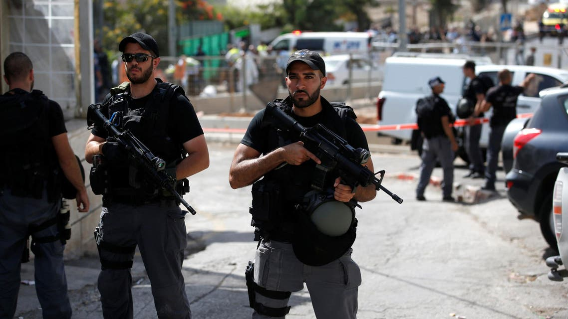 Israeli riot policemen secure the area following a shooting incident in what an Israeli police spokesperson described as a terrorist attack, in Sheikh Jarrah in East Jerusalem October 9, 2016. REUTERS/