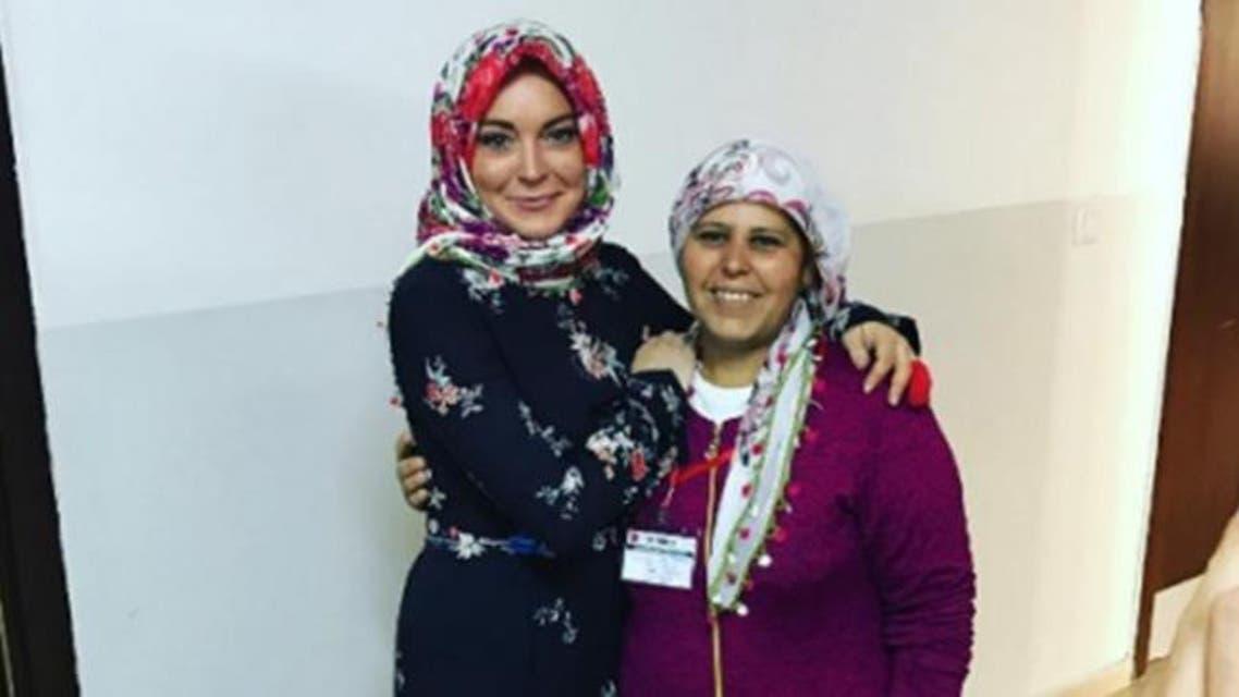 ليندسي لوهان تلبس الحجاب