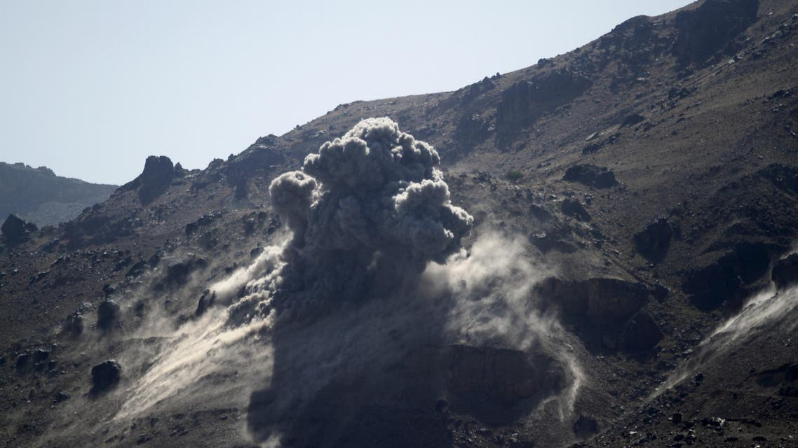 Smoke billows from a military arms depot after it was hit by a Saudi-led air strike on the Nuqom Mountain overlooking Yemen's capital Sanaa, October 15, 2015. (Reuters)