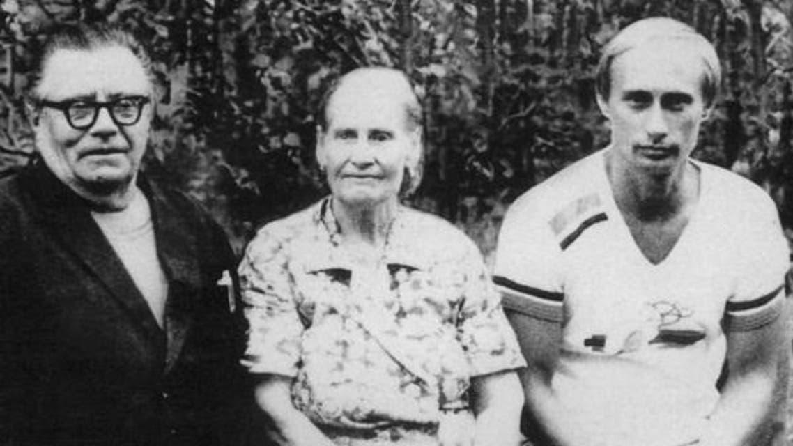 ولادیمیر پوتن اور ان کے والدین
