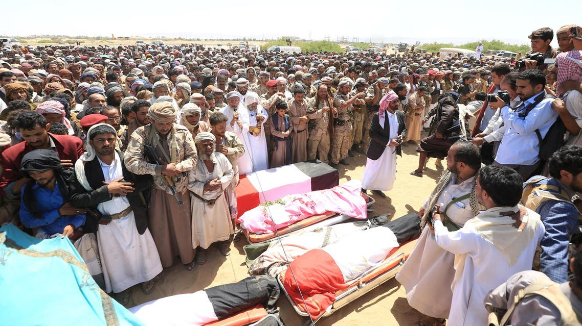 Mourners perform prayers during the funeral of army officers, including Major-General Abdel-Rab al-Shadadi, a top general in forces loyal to Yemeni President Abd-Rabbu Mansour Hadi's government killed in fighting with Iran-aligned Houthi troops, Yemen October 9, 2016. (Reuters)