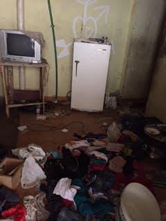 غرفة القاتل بعد تفتيشها