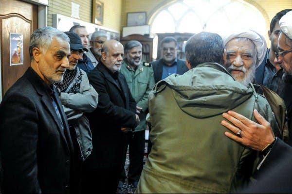 إمام جمعة طهران وقاسم سليماني في قاعدة مهتدي للباسيج