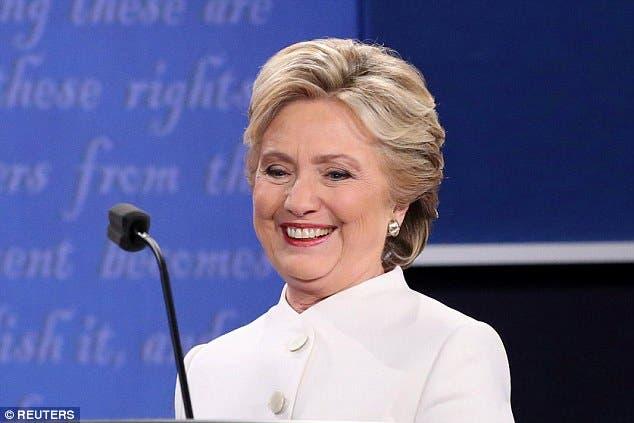 كلينتون خلال المناظرة الثالثة والأخيرة