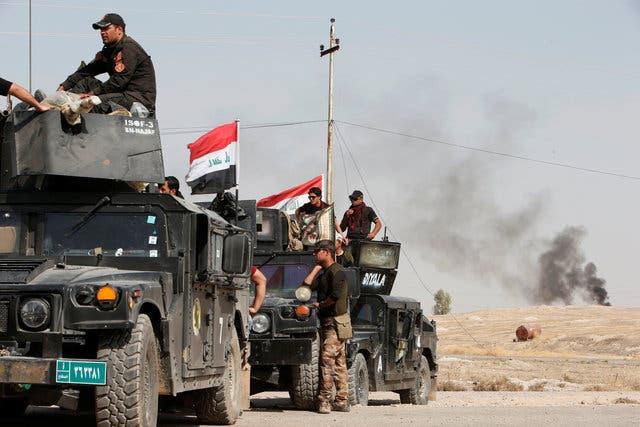 نیروهای ارتش عراق و پیشمرگه خود رای برای آزادی موصل مهیا میکنند