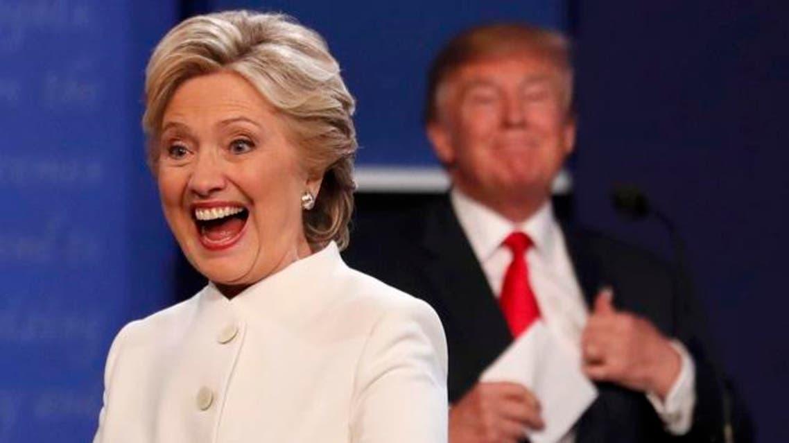ضحكة كلينتون وسيل من الانتقادات