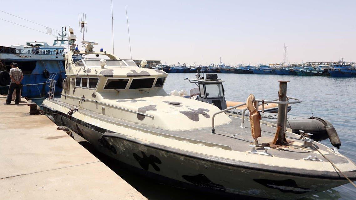 قارب لـ خفر السواحل الليبي - فرانس برس