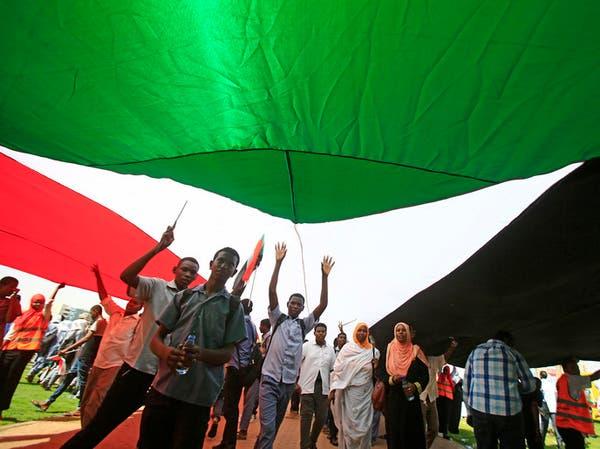 السودان تقلل من أهمية تجديد العقوبات الأميركية