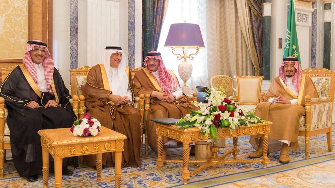 In front of Custodian of the Two Holy Mosques, the Ministers Al-Assaf and Al-Jad'an Take Oath of Office (SPA) 02-02-1438 AH