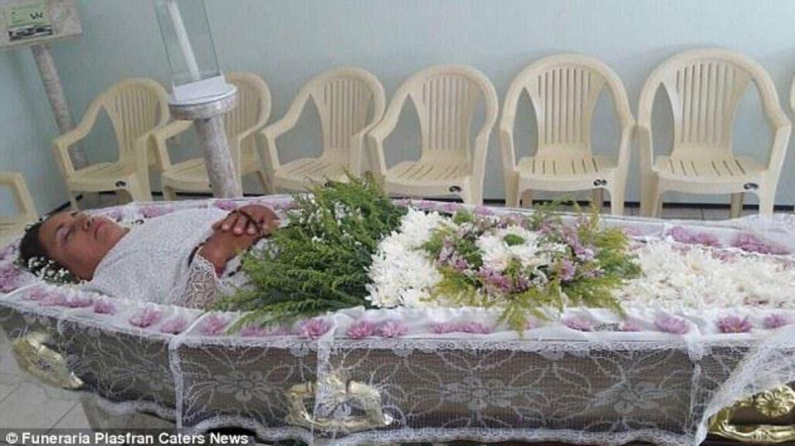 مختصون تولوا الإشراف على الجنازة