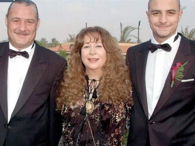 أحمد الفيشاوي ووالدته سمية الألفي ووالده فاروق الفيشاوي