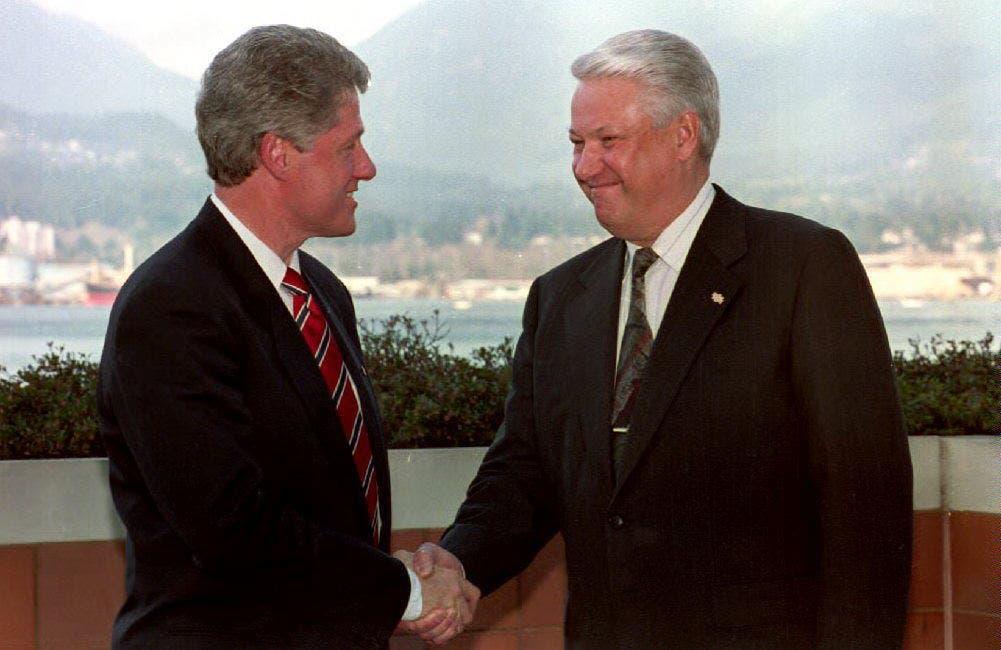 بيل كلينتون مع الرئيس الروسي الأسبق بوريس يلتسين