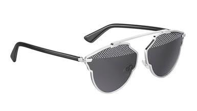 """بالفيديو.. هكذا تصنع نظارات """"ديورسوريل"""" الشهيرة"""