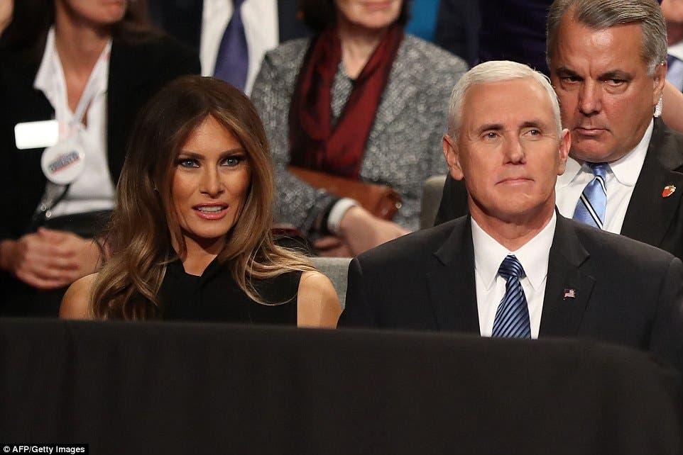 مايك بنس مع زوجة ترامب ميلانيا