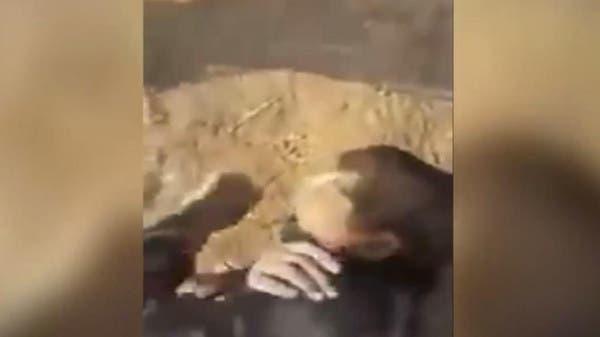 VIDEO: Iraqi unit 'throws' teen under army tank - Al Arabiya English