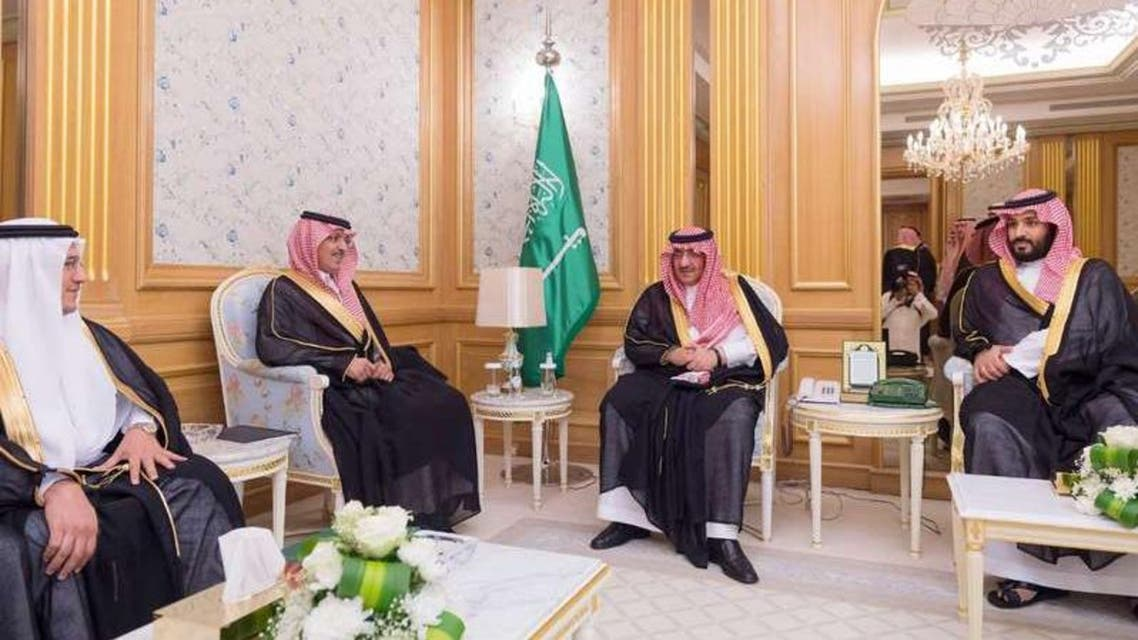 محمد بن نايف ومحمد بن سلمان يتسلمان تقرير مؤسسة النقد