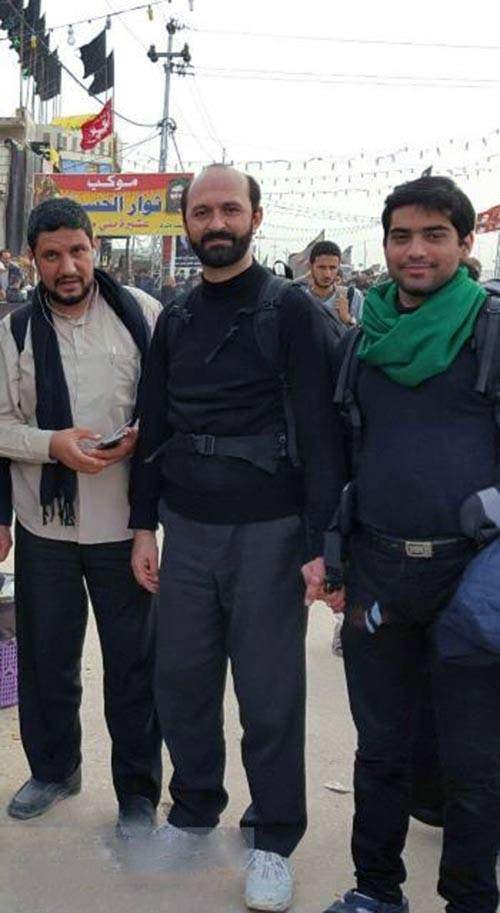 صورة  سعيد طوسي قارئ بيت المرشد وهو يزور كربلاء أحدثت ضجة في الاعلام الايراني