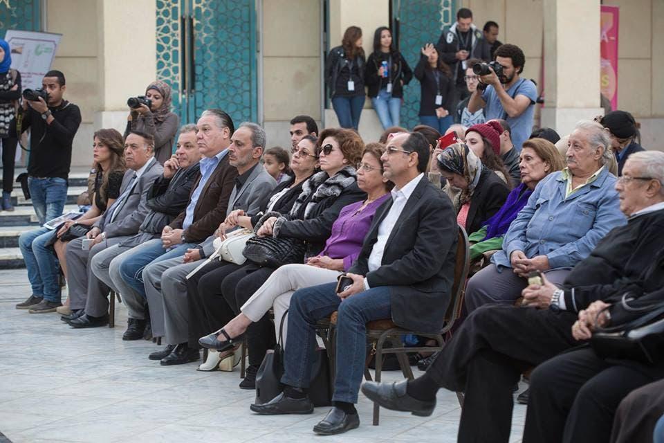 جانب من الحضور في الندوة التي أقيمت مساء الجمعة تحية لعبد العزيز