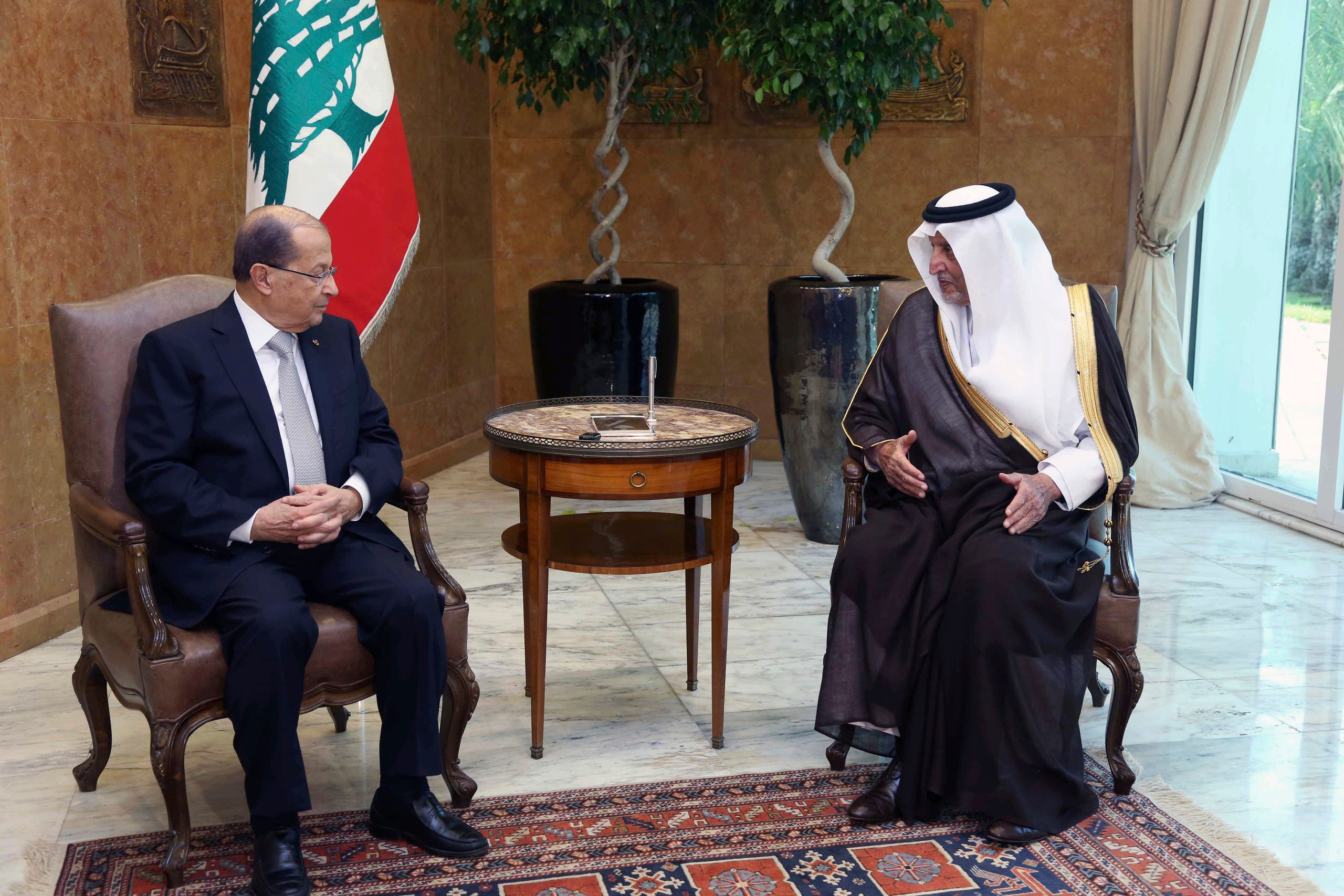 In this photo released by Lebanon's official government photographer Dalati Nohra, Lebanese President Michel Aoun, left, meets with Saudi Arabia's Prince Khaled al-Faisal, at the Presidential Palace in Baabda, east of Beirut, Lebanon, Monday, Nov. 21, 2016. (AP)