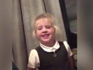 فيديو..طفل رومانسي سرق خاتم والدته الماس وخطب به زميلته