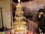 بالصور.. شجرة عيد الميلاد بمليوني دولار
