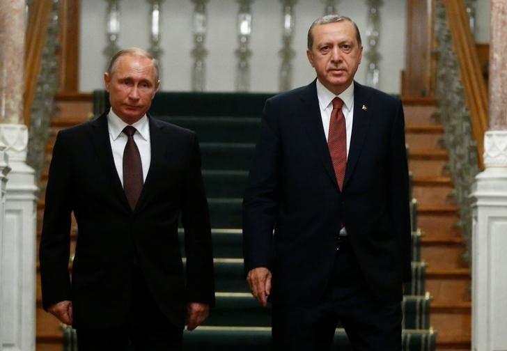 الرئيسان التركي رجب طيب إردوغان (يمينا) والروسي فلاديمير بوتين في اسطنبول يوم 10 أكتوبر/تشرين الأول 2016