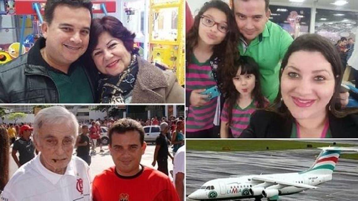 الطبيب القتيل مع زوجته وابنتيه وأمه وأبيه