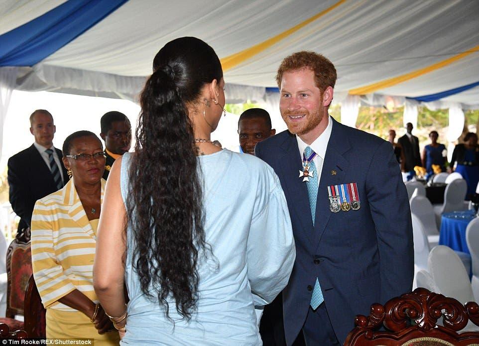 الأمير هاري أبدى سعادة بلقاء المغنية الشهيرة