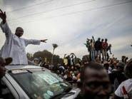 رئيس غامبيا المنتخب.. حارس الأمن الذي هزم الديكتاتور