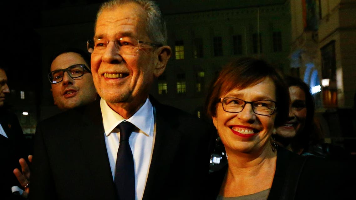 Austrian presidential candidate Alexander Van der Bellen (R) , who is supported by the Greens, and his wife Doris Schmidauer arrive for a TV show in Vienna, Austria, on December 4, 2016. (Reuters)