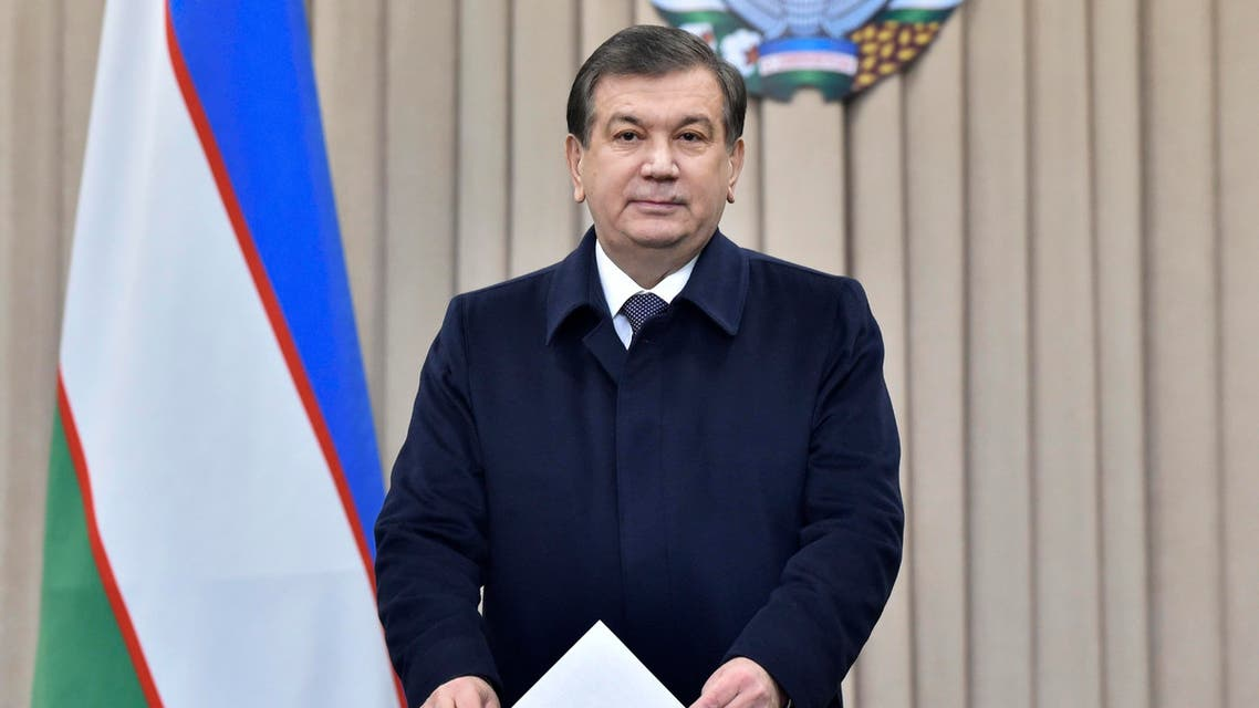 Uzbek acting President Shavkat Mirziyoyev casts his ballot for the presidential election in Tashkent on December 4, 2016. Mirziyoyev, who spent 13 years as Karimov's prime minister, is expected to easily win a five-year term. Uzbekistan went to the polls on December 4 to elect a successor to the late strongman Islam Karimov with long-serving prime minister Shavkat Mirziyoyev expected to score a comfortable victory in the ex-Soviet state. Anvar Ilyasov / POOL / AFP