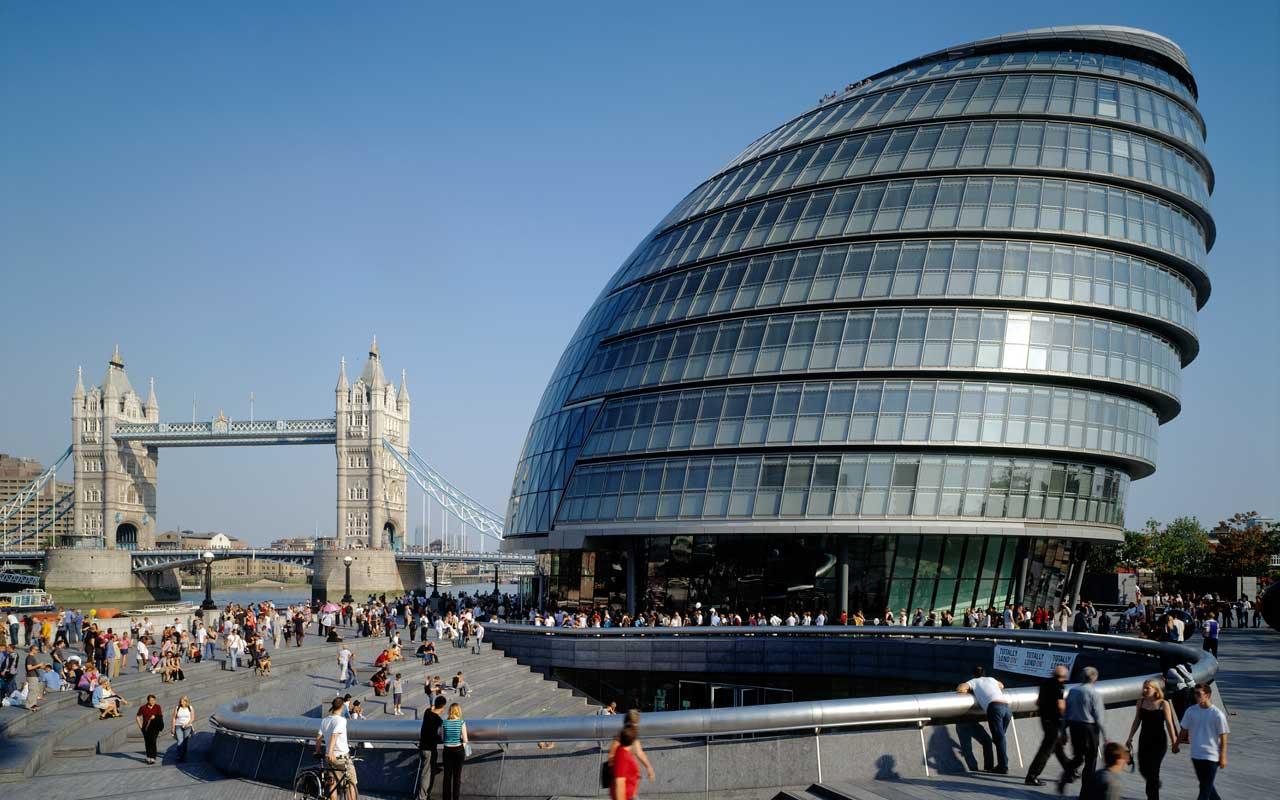 الكويت تشتري مبنى بلدية لندن