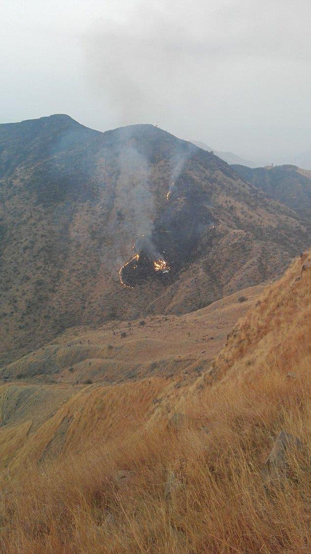 الطائرة تصطدم بجبل قبل اشتعال النيران بها