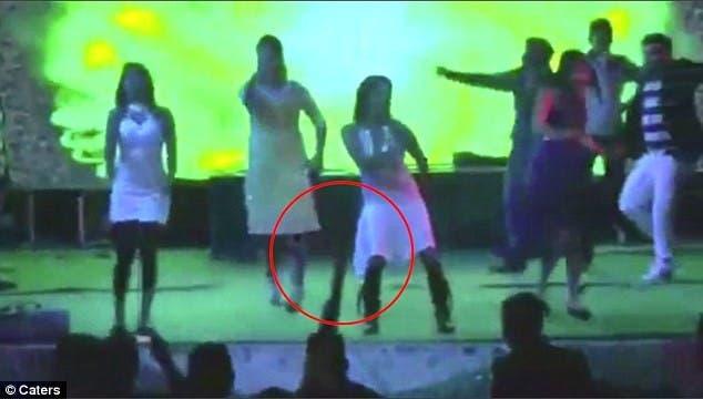 فيديو ابن سياسي هندي يقتل امرأة رفضت الرقص معه