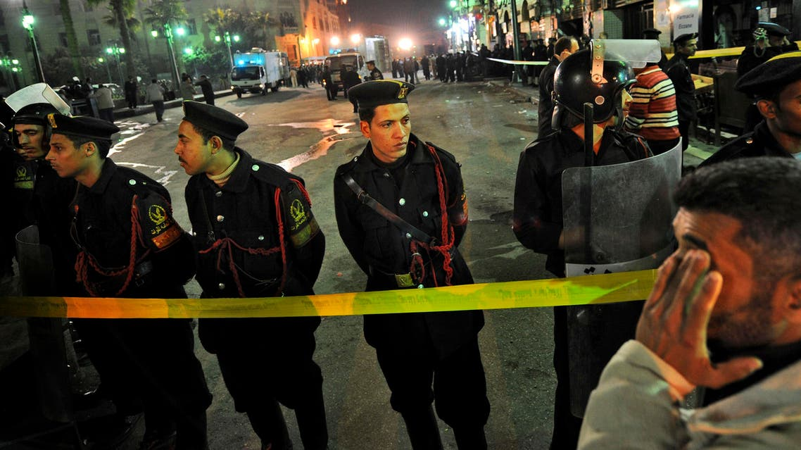 Egyptian police attend the scene outside the Al-Husseini mosque in the Khan el-Khalili market following a blast, in Cairo, Egypt, Sunday, Feb. 22, 2009. (File photo: AP)