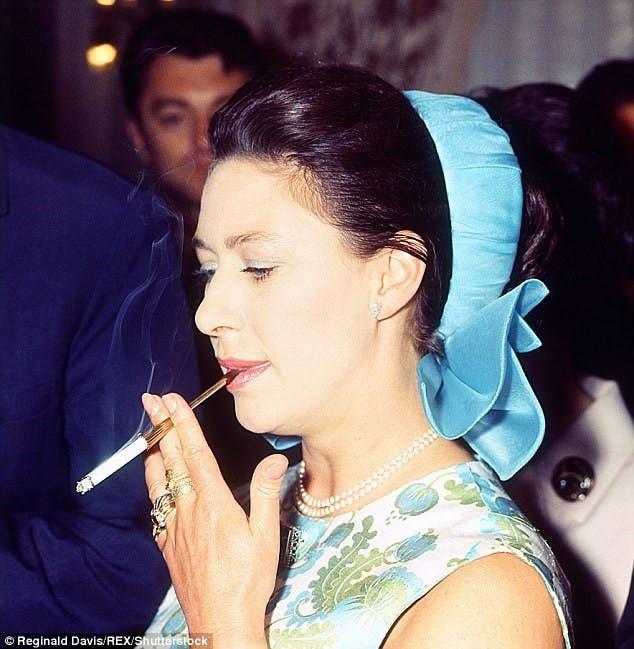 الأميرة مارغريت تدخن