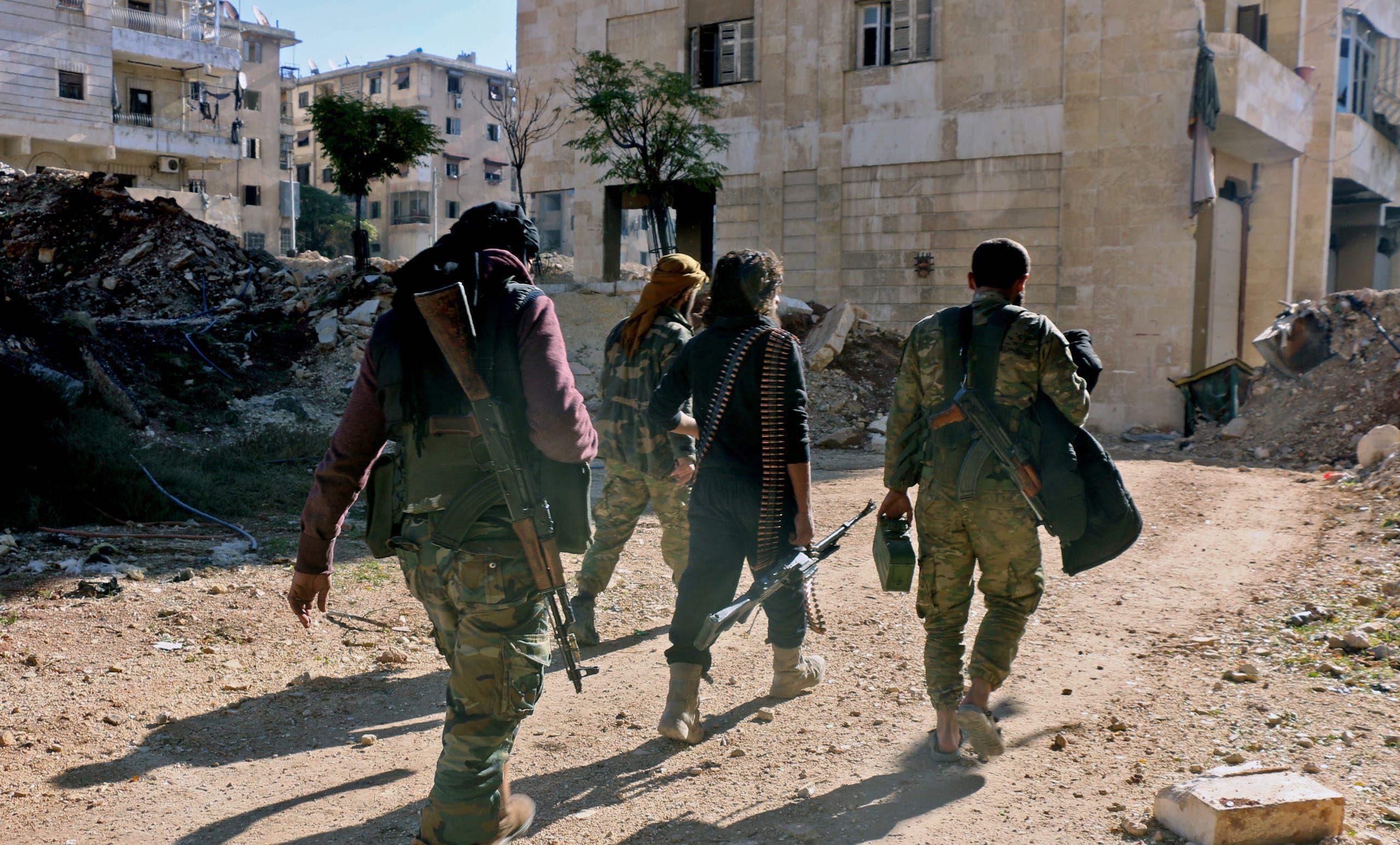 مقاتلون من المعارضة السورية في حلب (أرشيفية)